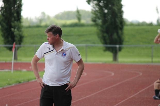 Huvudtränaren Ulf Jansson fick se sitt lag förlora igen.